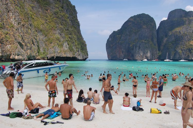 """Maya Beach z""""Niebiańskiej plaży"""", Monkey Beach iBamboo Island"""